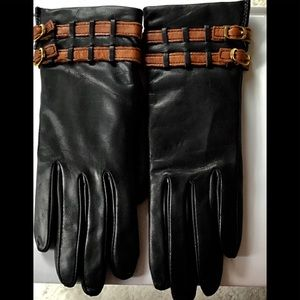 WOMAN'S BLACK LEATHER GLOVES